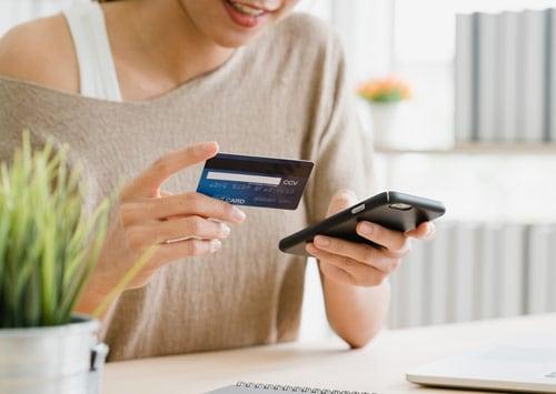 fizess bankkártyával